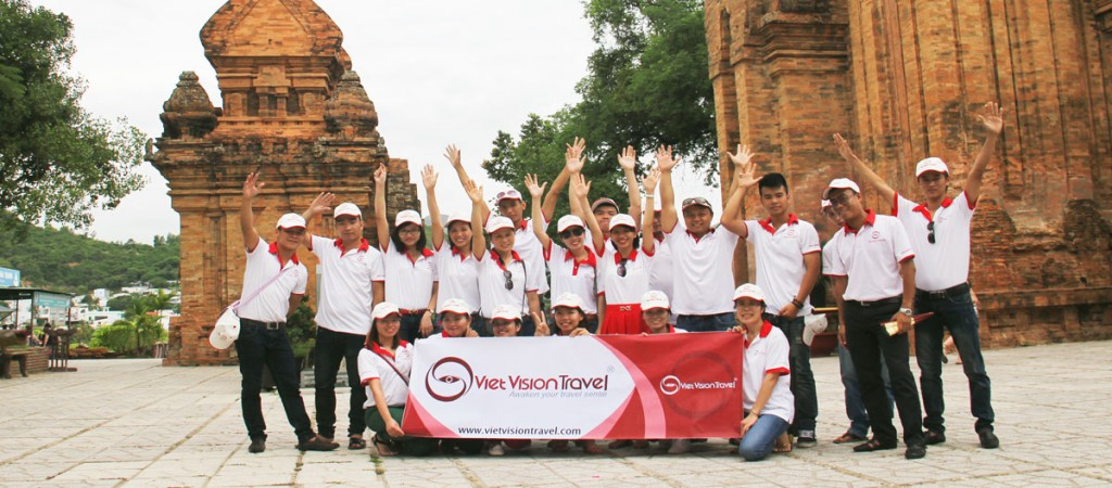 Viet-Vision-Travel-Team