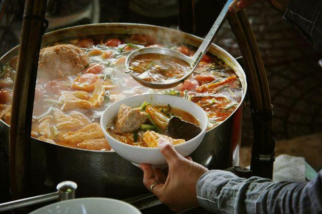 food at ben thanh market
