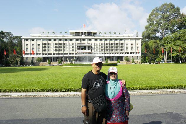 visit reunification palace in saigon