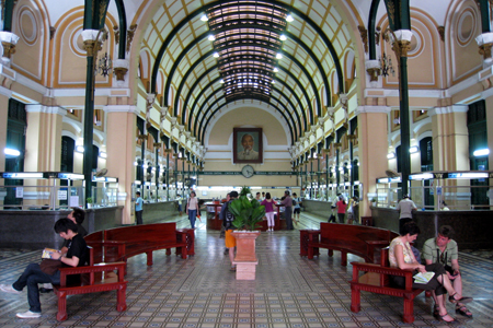 Architecture inside Saigon Old Post Office