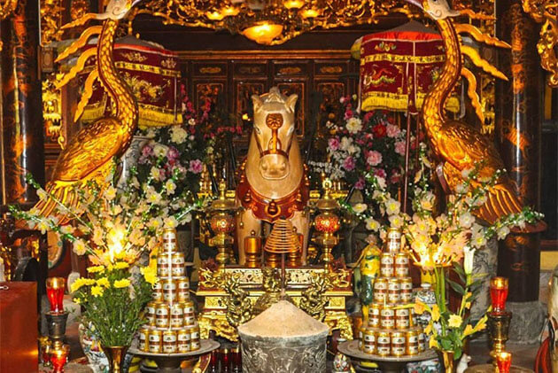 Bach Ma Temple in Hanoi Holiday Package to Vietnam