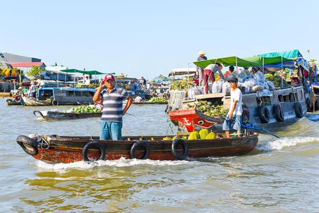 Cai Rang Floating Market in Mekong Delta Holiday