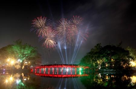 Ha Noi fireworks over Hoan Kiem Lake