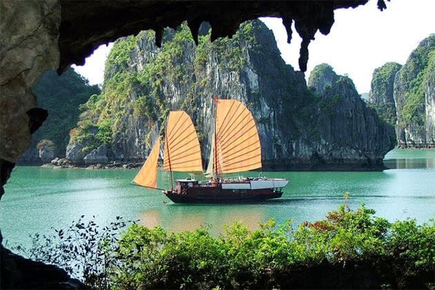 Halong Bay in Holiday Package to Vietnam
