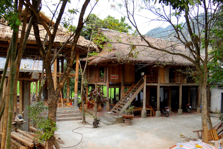 House on stilt in Pom Coong Village