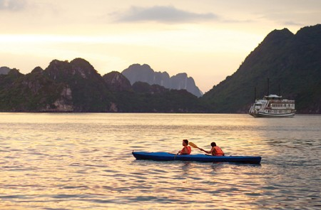 2D/1N Halong Bay Cruise Overnight on Boat