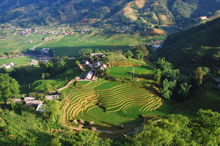Panoramic view of Ta Van Village