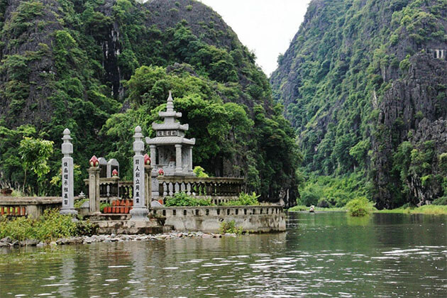 Perfume Pagoda in Hanoi Vietnam Holiday Package