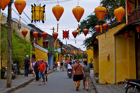 Roaming around colorful streets in Hoi An