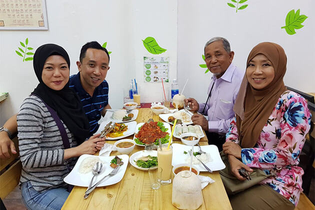 Try Halal Food in Holiday in Vietnam