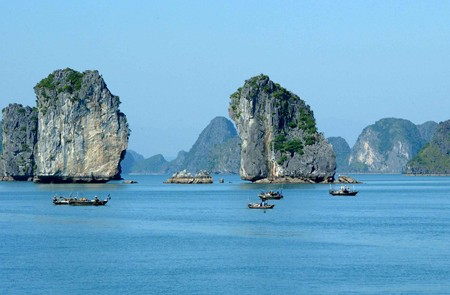 4D/3N – Hanoi – Halong Bay Overnight on junk Honeymoon Package Tour