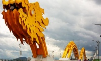 golden bridge in danang package holiday vietnam
