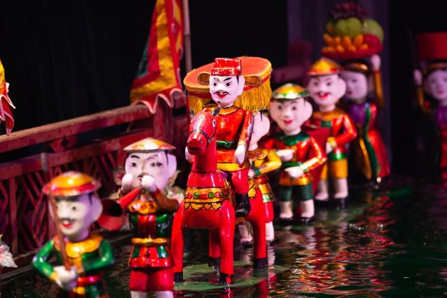 see water puppet show in hanoi
