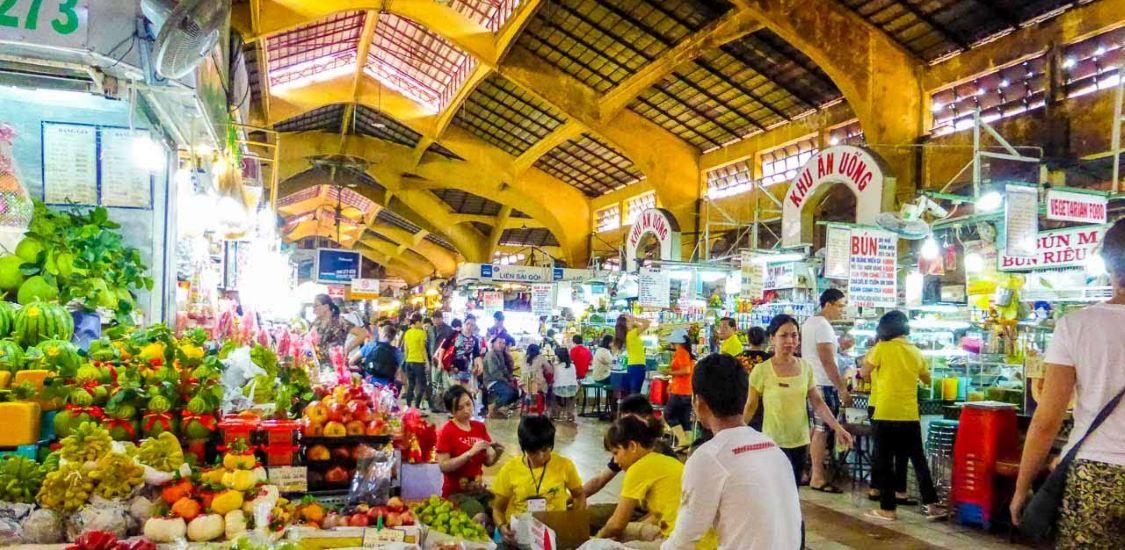 shopping at ben thanh market ho chi minh city holidays
