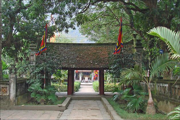 temple of Le Dai Hanh Hoa Lu