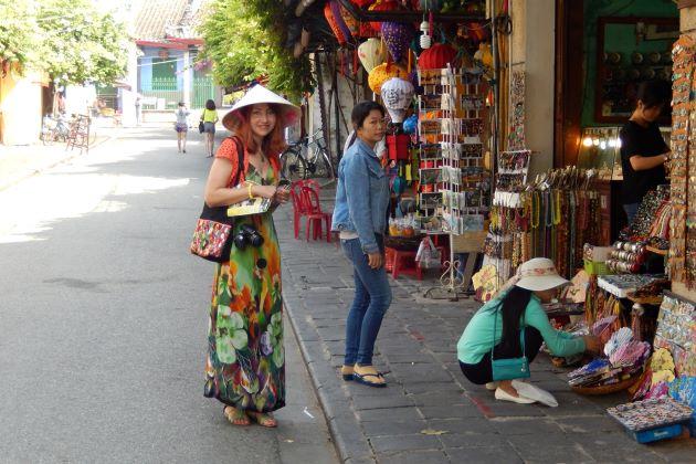visit hoi an vietnam